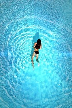 E' stato dimostrato da studi scentifici che il nuoto, essendo tra le discipline più complete nel panorama delle attività fisiche, sia tra gli sport più salubri ed aumenti la longevità ed il benessere in generale.