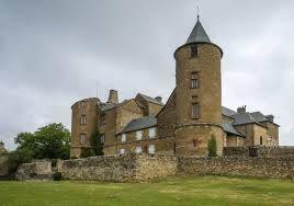 The castle D'Onet-le-Château - built in 1518-1819 - Aveyron dept. - Midi-Pyrénées region, France .....anaglyphe34.canalblog.com