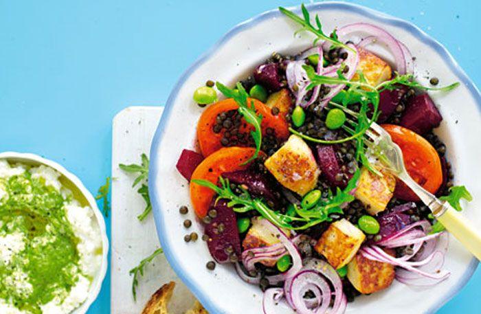Vegetarisk gryta, matiga sallader och fisksom gör det gott och lätt att hållahälsosamma vanor.
