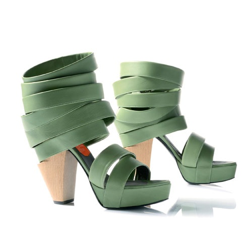 #newdesigner    http://www.zoemagazine.net/magazine/moda/accessori/item/1478-what%E2%80%99s-more-alive-than-you%E2%84%A2-shop-collection-s/s-2013.html#