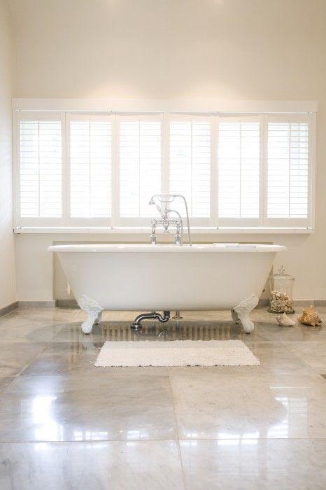 bad op pootjes - landelijke badkamer - Taps & Baths