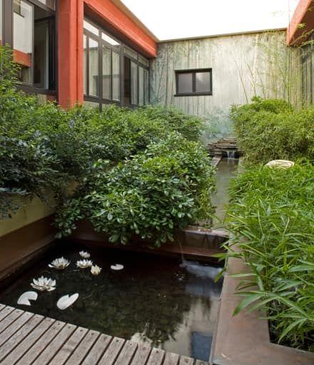 il giardino delle ninfee: Giardino in stile in stile Moderno di AGRISOPHIA - architettura del paesaggio