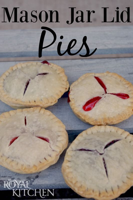 Mason Jar Lid Pies - so easy and delicious!