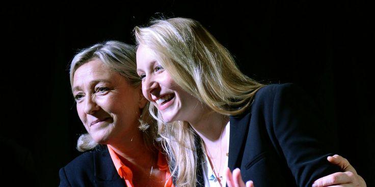 """France. Octobre 2015. Marine Le Pen et Marion Maréchal - Le Pen s'amusent sur Twitter de l'attitude """"hystérique"""" de leurs adversaires LR"""