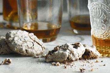 'Brutti ma buoni' biscuits main image