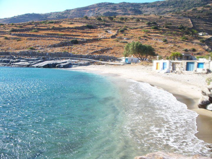 """#Andros #Geece PLAKA Location: On the southwest side of the #island, on the road to Korthi.  Special features: Crystal clear and salty waters. There are #trees, storage huts for boats (called """"konakia"""") and rocks that make Plaka ideal for #fishing. Remarkable traces of prehistoric settlement have been found in the area.  How to get there: By car. Following Stavropeda - Korthi road, approximately 2 km after Zaganiari village, you will reach a right junction towards Plaka (check the road…"""