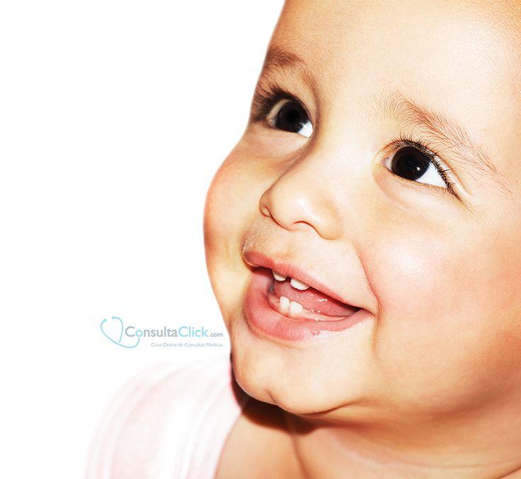 ¡La salud dental de los niños empieza en el embarazo! Una correcta alimentación de la madre ayudará al correcto desarrollo de los dientes de leche que empiezan a formarse a partir de la sexta semana de embarazo, así como los permanentes que lo hacen antes del parto.