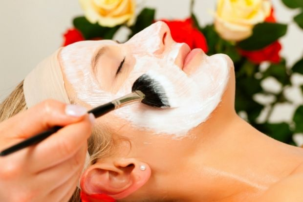 Spa facial with blackhead treatment also