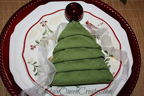Christmas Tree Napkin Fold - several versions with videos