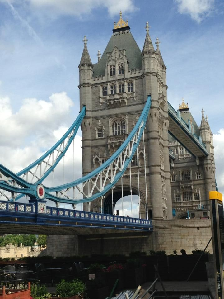 This bridge was beautiful and massive and colourful and there was a starbucks on either end!