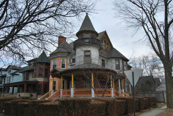 Inside Old Abandoned Mansions | Historic Detroit, West Canfield, the oldest houses in town.
