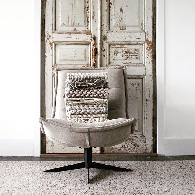 FELT - VILT    CHAIR - STOEL    CARPETS - VLOERKLEDEN    LOFT INTERIOR