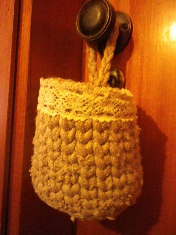 Check out this item in my Etsy shop https://www.etsy.com/pt/listing/521613175/cesta-de-arrumacao-em-trapilho-para