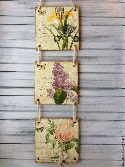 Купить или заказать Панно 'Цветы' в интернет-магазине на Ярмарке Мастеров. Милое уютное панно, состоит из трех частей, выполнено в технике фрески, немного состарено. Цветочный мотив подойдет и для спальни, и для кухни и…