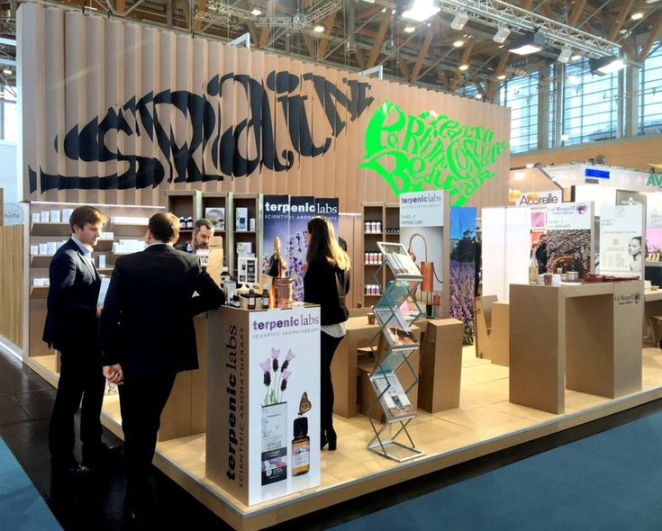 stand vivaness icex feria cosmetica natural ecologica sostenible españa carton diseñado por Cartonlab. Cardboard booth organic cosmetic fair tradeshow trade show natural sustainable designed by Cartonlab.