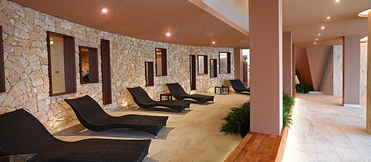 Poiano La Spa, a haven of calm and serenity where the aesthetic tradition blends with modern technology to make each treatment a unique experience.