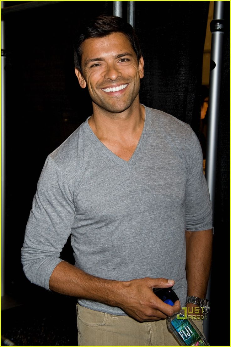 Mark Consuelos - want to see when co-hosting Live with his gorgeous wife Kelly Ripa LQ