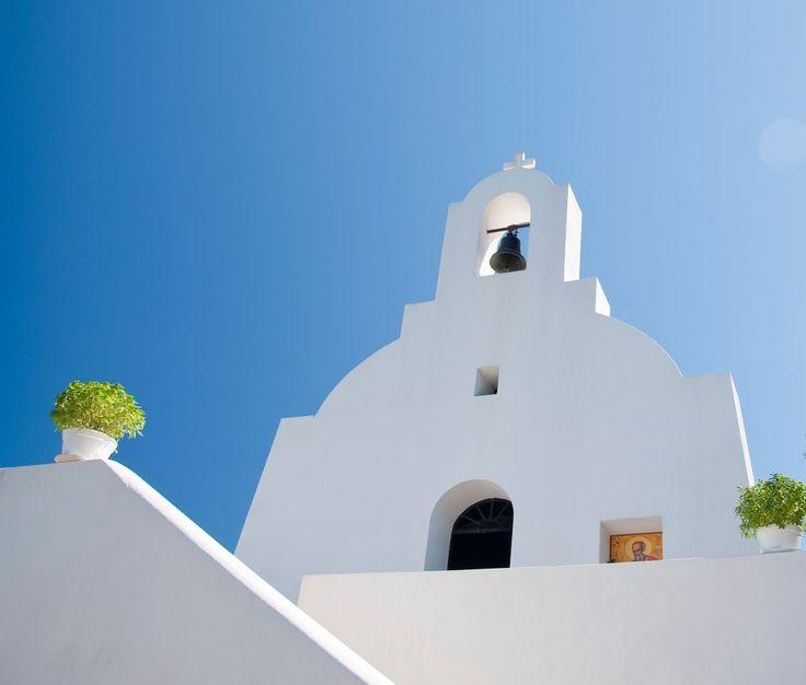 We ❤ Greece | Blue and white, the colours of #Greece #church #greekislands #travel #destination #explore
