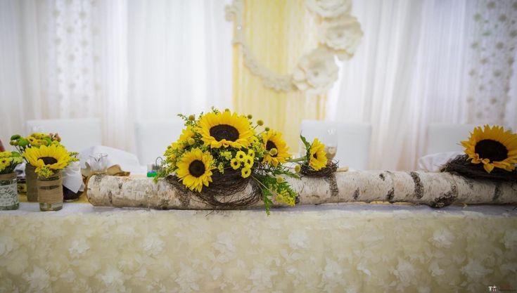 Decorațiuni și aranjamente florale în stil tradițional