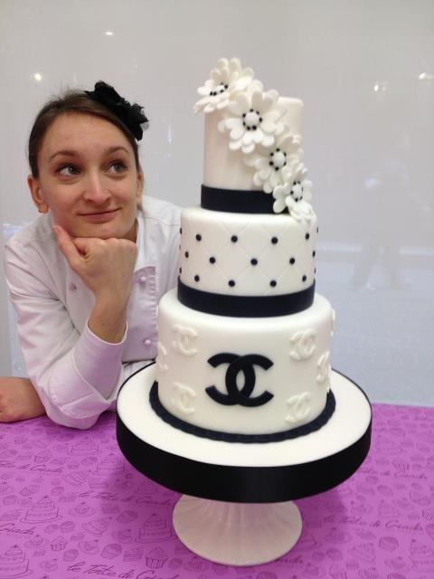 Fashion Weeding Cake