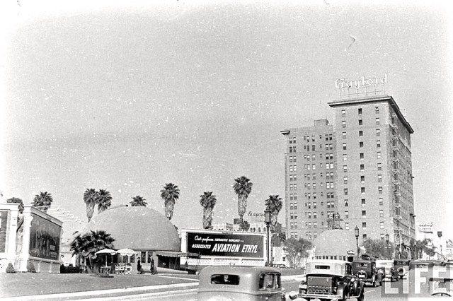 Two Brown Derby restaurants, Wilshire Blvd, Los Angeles, circa 1937