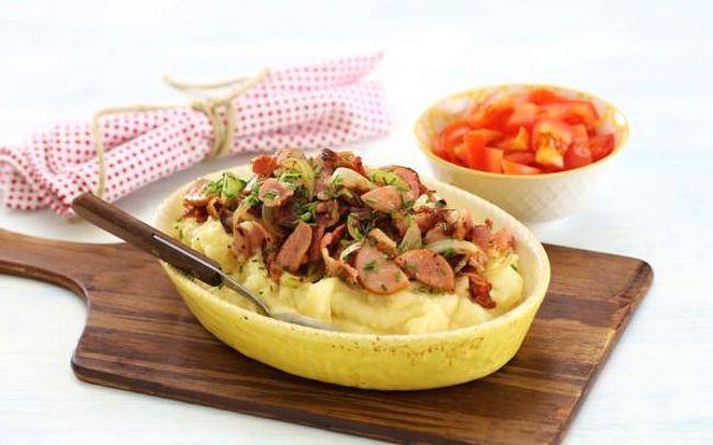 Жареные сардельки с картофелем | Кулинарный Рай