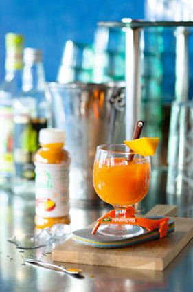 Vitamine à la playa - Cocktail brésilien sans alcool coco, açaï, ananas      25 cl de jus d'açaï et de mangue     5 cl d'eau de coco     2 cl de jus d'ananas     Pour décorer : un morceau de mangue