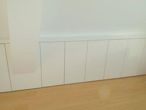 Door Decosier op maat gemaakte knieschotten met push-to-open deuren 1607._.jpg (500×375)