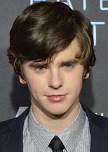 Freddie Highmore im in love with you.
