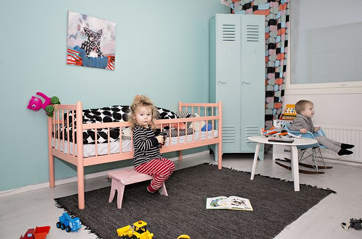 Kids room, shades of coral and Aqua, Muutama hetki blog