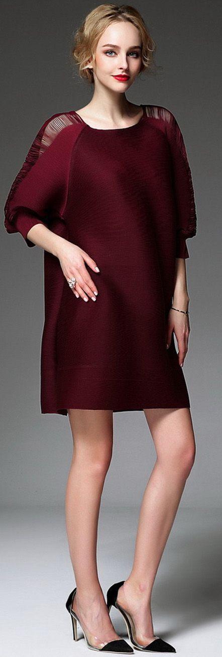 Burgundy Pleated Hollow Shoulder Half Sleeves Dress