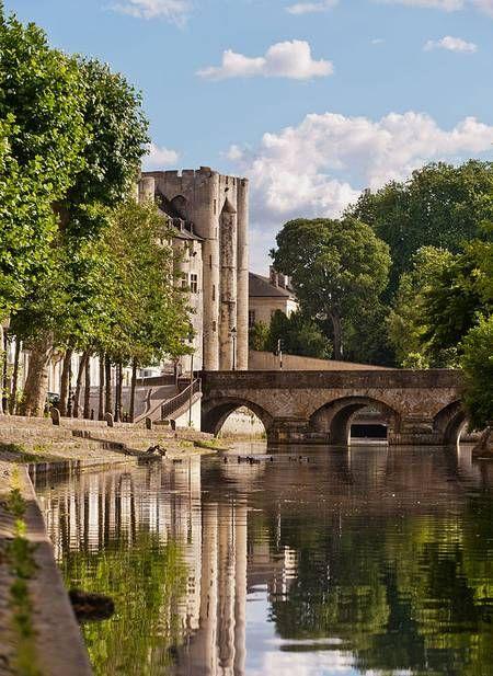 Les 25 meilleures id es de la cat gorie vieux ponts sur for E leclerc niort centre niort
