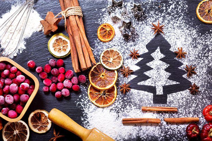 Фотография Рождество Елка Апельсин Сахарная пудра Бадьян звезда аниса Корица Еда Ягоды Новый год Новогодняя ёлка Пища Продукты питания