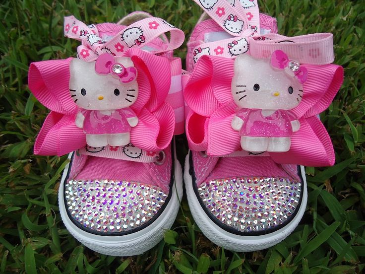 LOVE these for the Hello Kitty birthday! Now where to buy them someone HELP! Found them and got em!