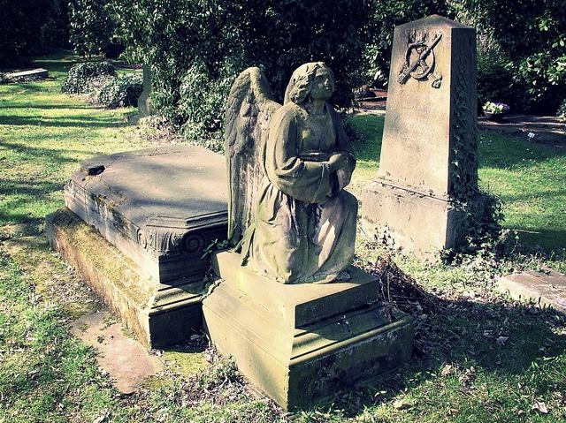Friedhof Sternbuschweg by christianstobbe, via Flickr