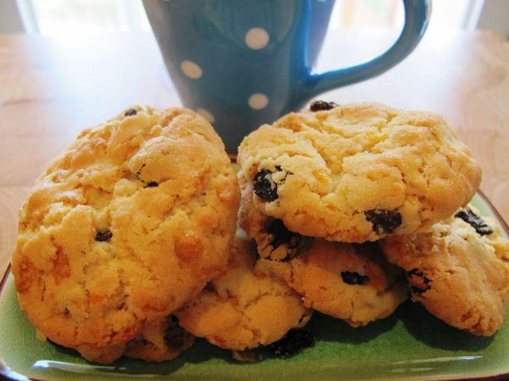 Cornflake and sultana cookies