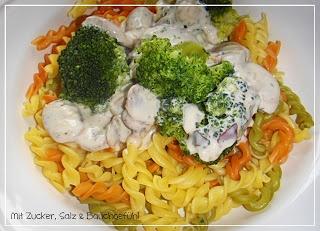Pasta mit Champignon-Brokkoli-Soße