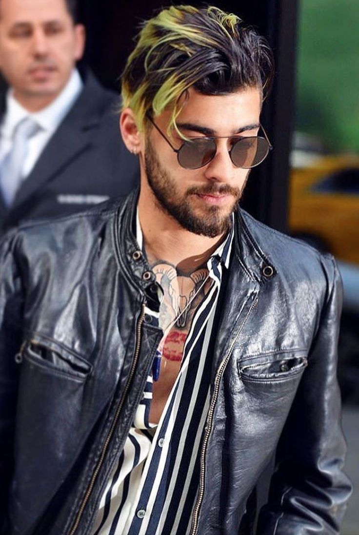 NEW | ZAYN out and about in London rocking a new streaky ...