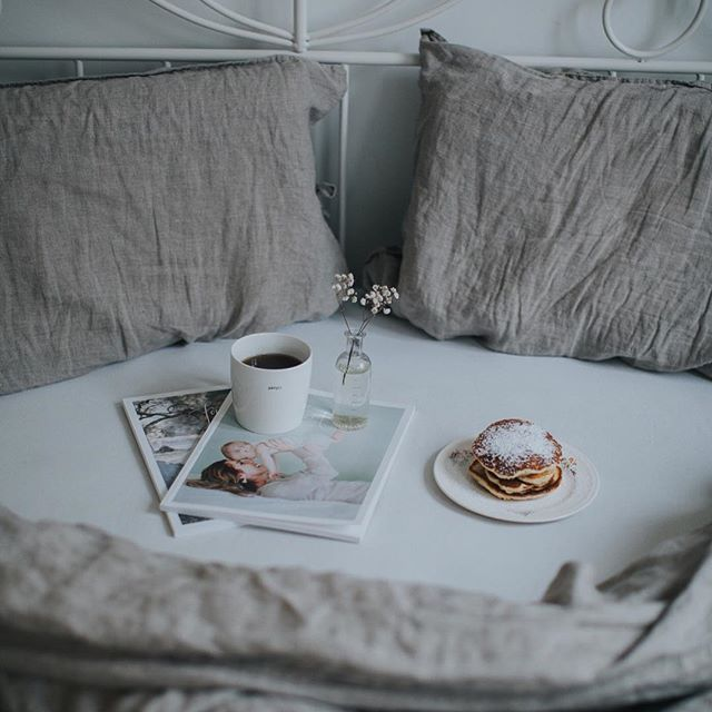 I've had linen bedclothes on my wishlist for such a long time, and we got the perfect ones from my parents this christmas. (I'm never taking them of 🙈). #thatvelvetfeeling