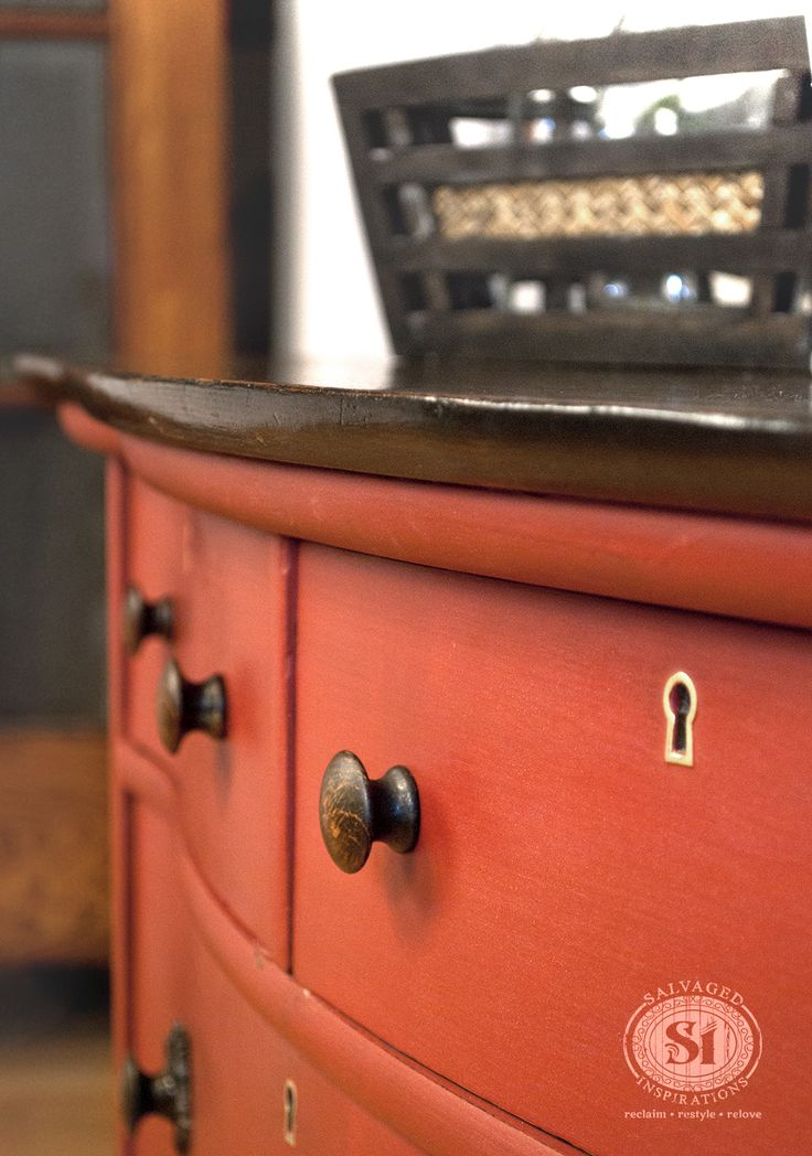 Great Tutorial on the Pro's and Con's of Painting Salvaged Furniture | Salvaged Inspirations