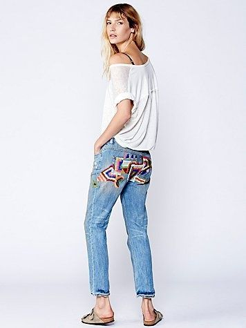 Вышитые на попе джинсы  Free People.