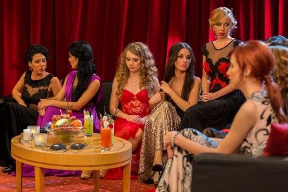 După prima ediție, Burlacul a ales: Ele sunt cele zece concurente care luptă pentru inima lui Andrei on http://www.fashionlife.ro