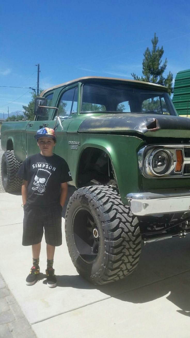 68 dodge crew cab converted to 4 wheel drive with 12 valve cummins riding on