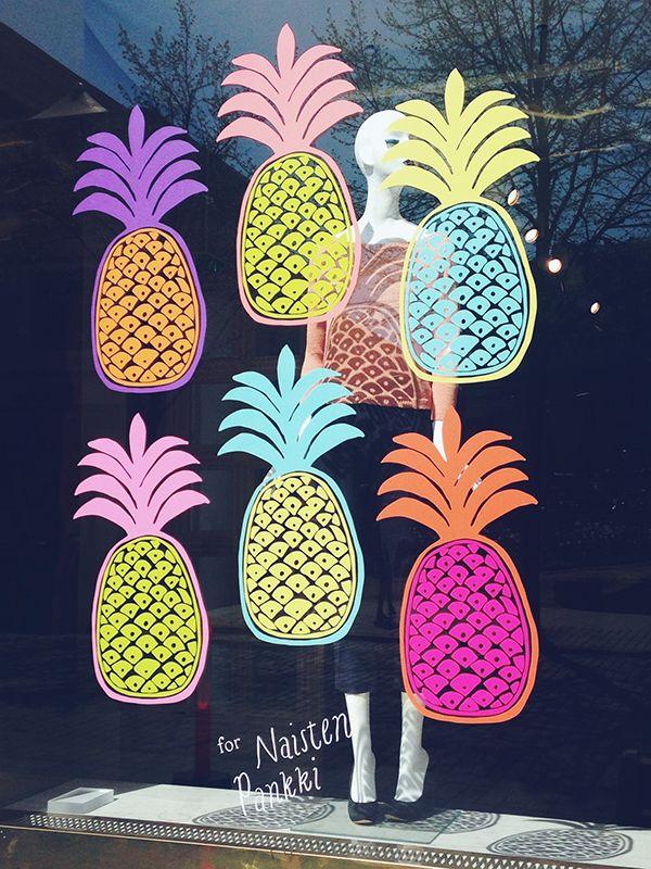 Samuji Shop window display by Erja Hirvi // // marquage signalétique adhésif sticker
