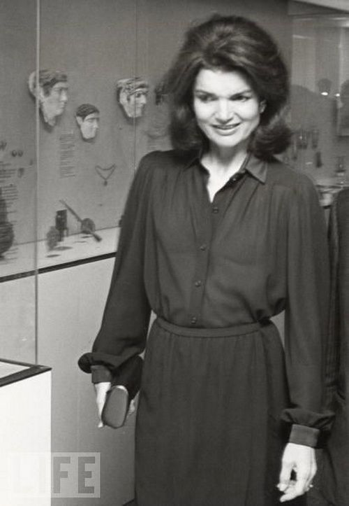 essay on jacqueline kennedy onassis Jacqueline kennedy onassis is remembered as the stylish, elegant, and  and  was a frequent contributor of poems and essays to the school newspaper.