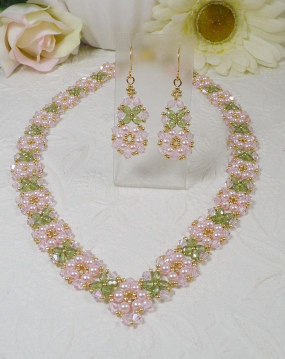 a0c78431d Woven Necklace and Earrings Pearl and Rosaline Swarovski Crystal | Beads |  Bead jewellery, Swarovski crystal earrings y Pearls