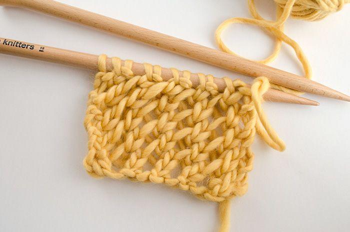 We Are Knitters vous apprend comment tricoter le point de filet ajouré
