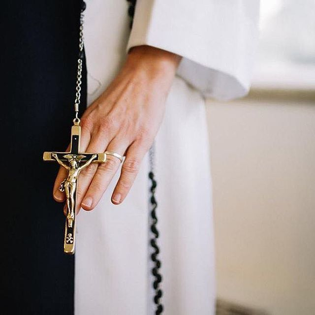 No one, however weak, is denied a share in the victory of the cross. No one is beyond the help of the prayer of Christ.⠀  ⠀  ⠀  // St. Leo the Great⠀  ⠀  #BISsisterhood #projectblessed ⠀  ⠀  photo by @molli.nava