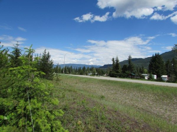 1231 Yellowhead Hwy South, Clearwater, BC