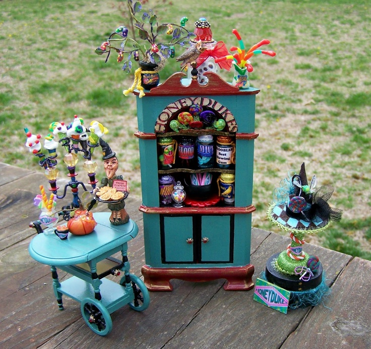 Dollhouse Miniature Harry Potter Honeydukes Sweet Shop-Themed Witch Hat